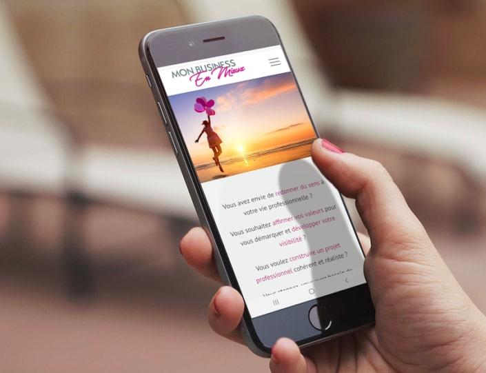 Page d'accueil site web sur mobile
